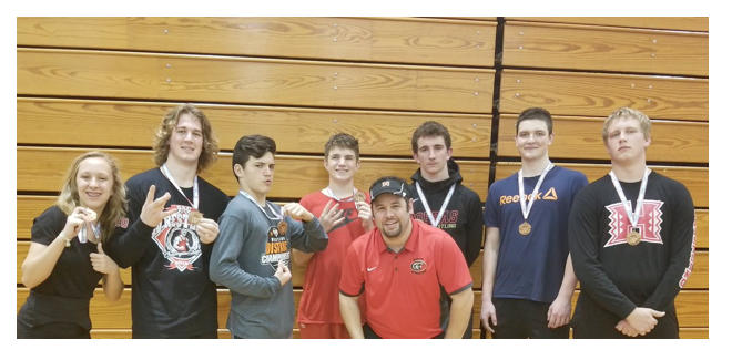 Hudson Wrestlers Go To Regionals